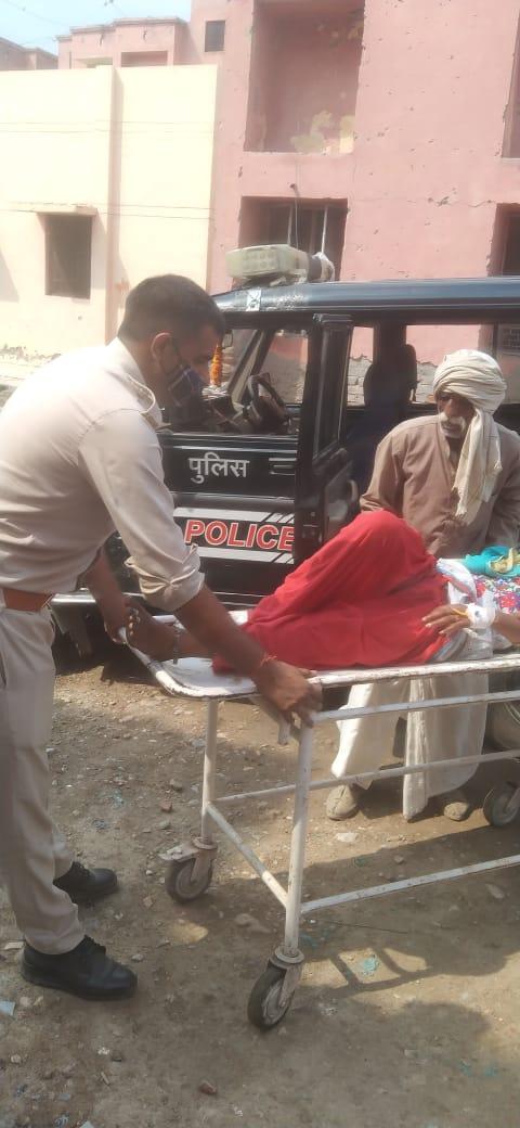 जहर खा कर आत्महत्या का प्रयास करने वाली महिला की बचाई जान; हालत गंभीर होने पर महिला को हायर सेंटर रेफर किया गया|मथुरा,Mathura - Dainik Bhaskar