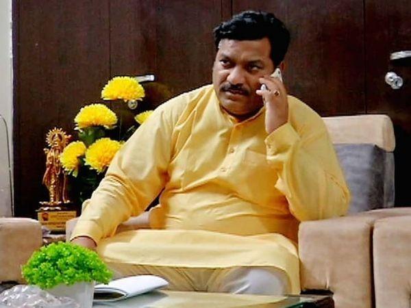 वेदप्रकाश सोलंकी बोले- पायलट के कारण राजस्थान में सरकार बनी है, दुष्कर्म मामले में नागर के खिलाफ हाईकोर्ट ने प्रसंज्ञान लिया था इसलिए कांग्रेस ने टिकट काटा था जयपुर,Jaipur - Dainik Bhaskar