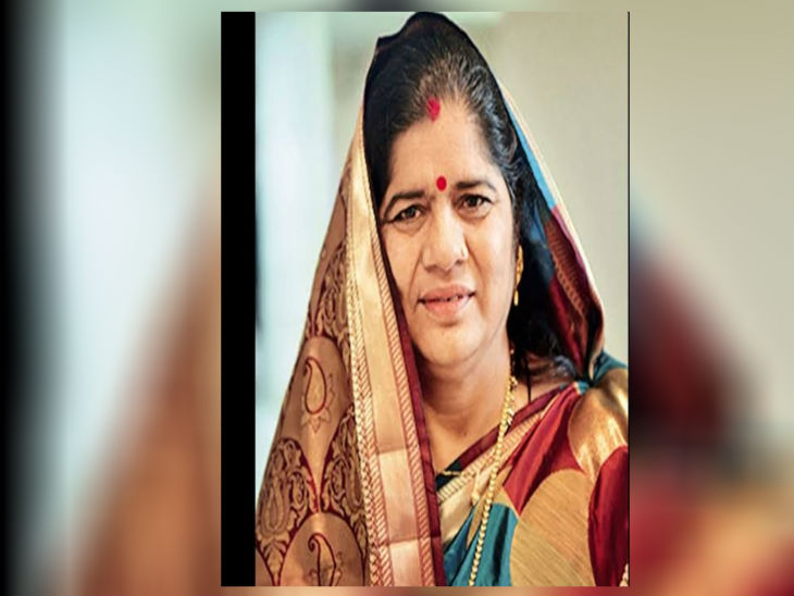 पूर्वमंत्री इमरती देवी, इनकी गिनती सिंधिया समर्थकों में होती है।