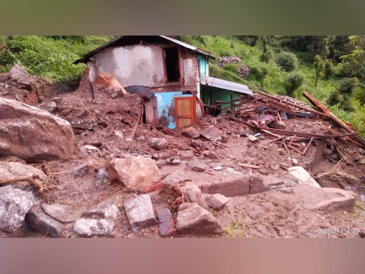 मलबे से निकाला 45 वर्षीय महिला का शव; 4 लोग अभी भी लापता, अब तक 6 लोगों की मौत|हिमाचल,Himachal - Dainik Bhaskar