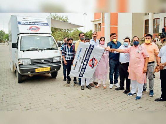 वैक्सीनेशन शपथ महासंकल्प अभियान के तहत पानीपत में घूमा कोरोना वैक्सीन जागरूकता रथ|पानीपत,Panipat - Dainik Bhaskar