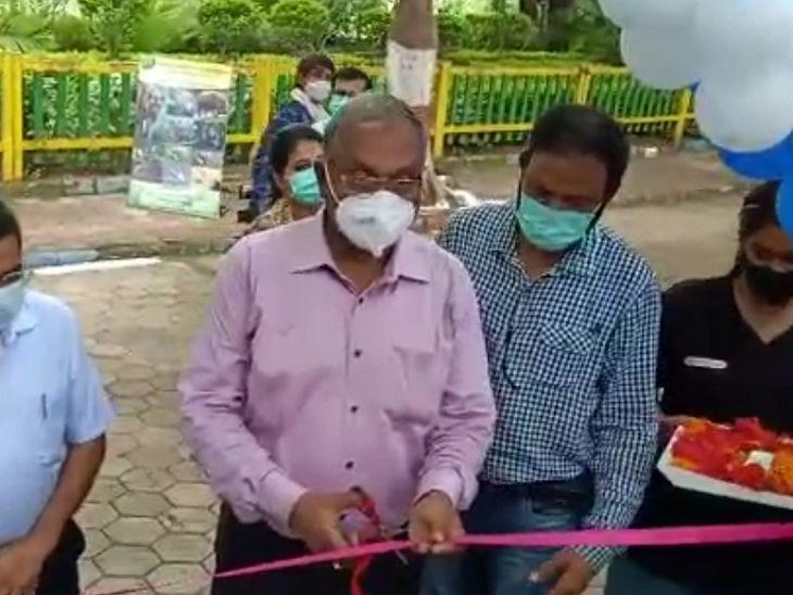 विधायक महेंद्र हार्डिया ने नए बाड़े का शुभारंभ किया।