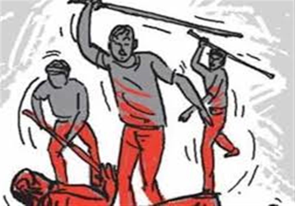 मोबाइल चोरी कबूलने के लिए नाबालिगों को दी थर्ड डिग्री, पहले करंट लगाया बाद में बंधक बनाकर चाबुक से की पिटाई|बरेली,Bareilly - Dainik Bhaskar