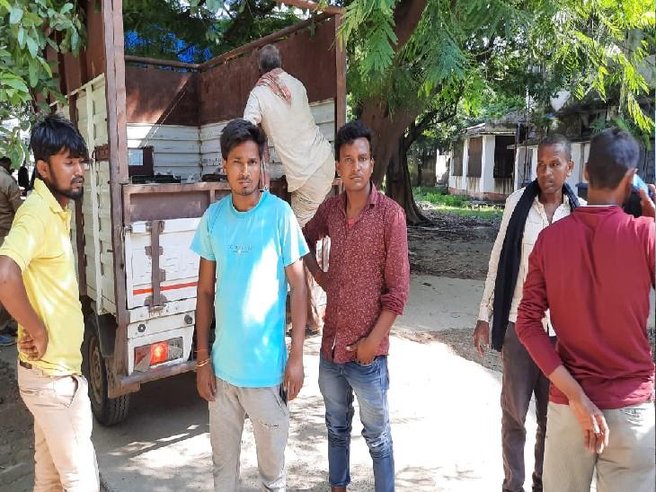 पाइप लोड कर भागलपुर जा रहा था पिकअप, दुल्हीचक मोड़ के पास हाइवा ने सामने से मारी टक्कर|नालंदा,Nalanda - Dainik Bhaskar