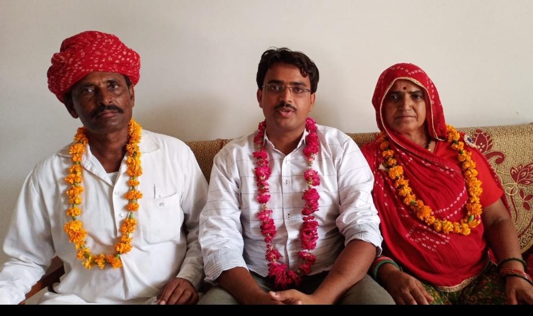 RAS में टॉप 10 में शामिल मनमोहन शर्मा और विकास प्रजापत समेत अन्य चयनित कैंडिडेट्स के घरों में रहा खुशी का माहौल|टोंक,Tonk - Dainik Bhaskar