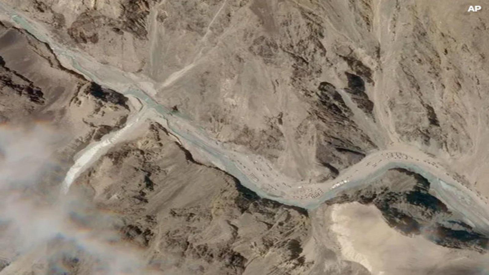 मीडिया रिपोर्ट्स में दावा किया गया था कि लद्दाख में एक बार फिर भारत और चीन के सैनिकों के बीच टकराव के हालात बने हुए हैं।