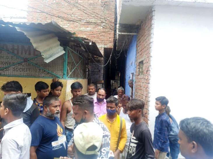ATS के दुबग्गा ऑपेरशन के वक्त फरार हो गया था, भाई बोला- शकील ई-रिक्शा चलाकर परिवार पाल रहा है, घर पहुंचे मीडियाकर्मी बंधक बनाए गए लखनऊ,Lucknow - Dainik Bhaskar