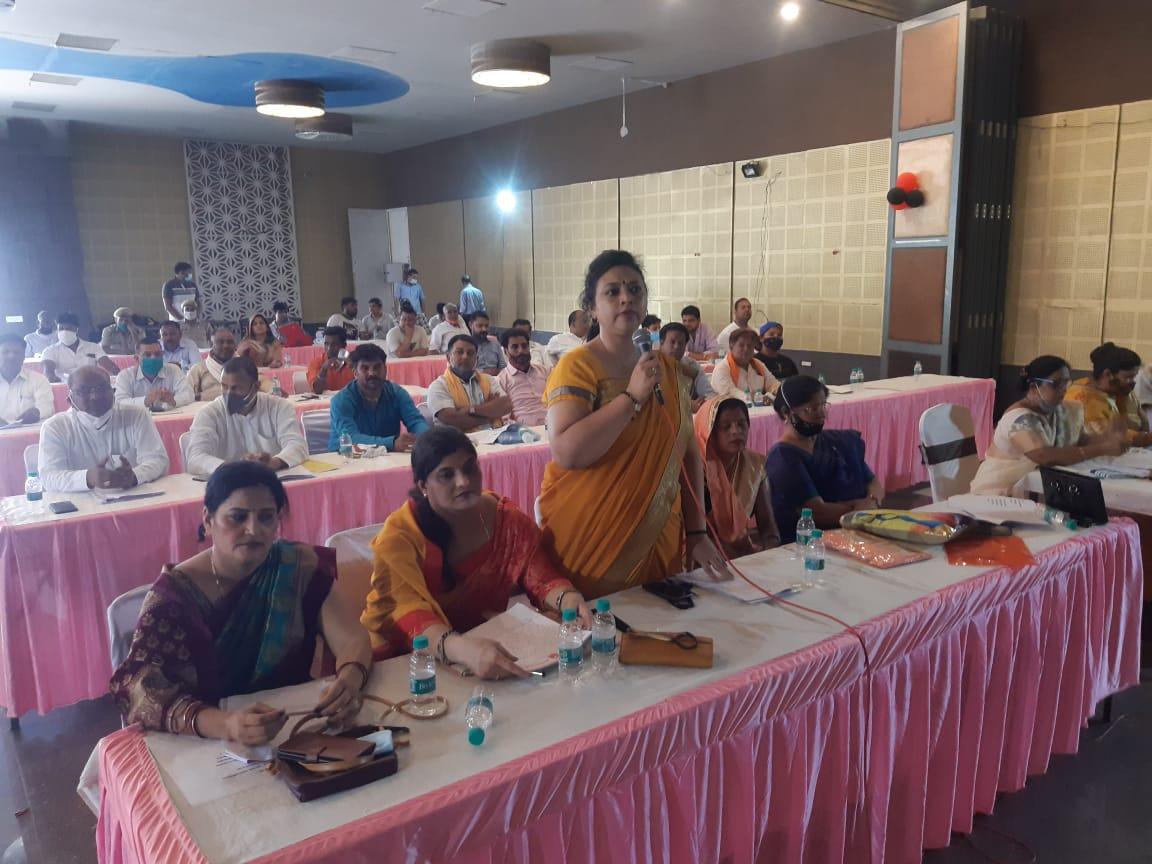 मथुरा वृन्दावन नगर निगम की बोर्ड बैठक में कई अहम प्रस्तावों को पर लगी मुहर। - Dainik Bhaskar