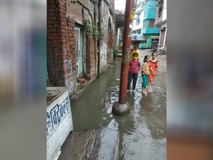 सहारनपुर में शहर के कई इलाकों में जलभराव हो गया है।