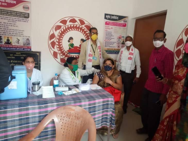 जिले में 87 सेंटर्स पर कोवीशील्ड का लगाया गया टीका, शहर में 33 तो ग्रामीण क्षेत्रों में 54 केंद्रों पर लगा वैक्सीन|जबलपुर,Jabalpur - Dainik Bhaskar