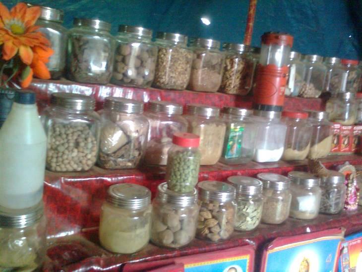 कमर दर्द का इलाज कराने गए थे सेना के रिटायर्ड सूबेदार, 20 रुपए फीस और 1100 की दवा देकर फंसाया, कुछ फायदा होने पर गंवाते रहे पैसे|जबलपुर,Jabalpur - Dainik Bhaskar