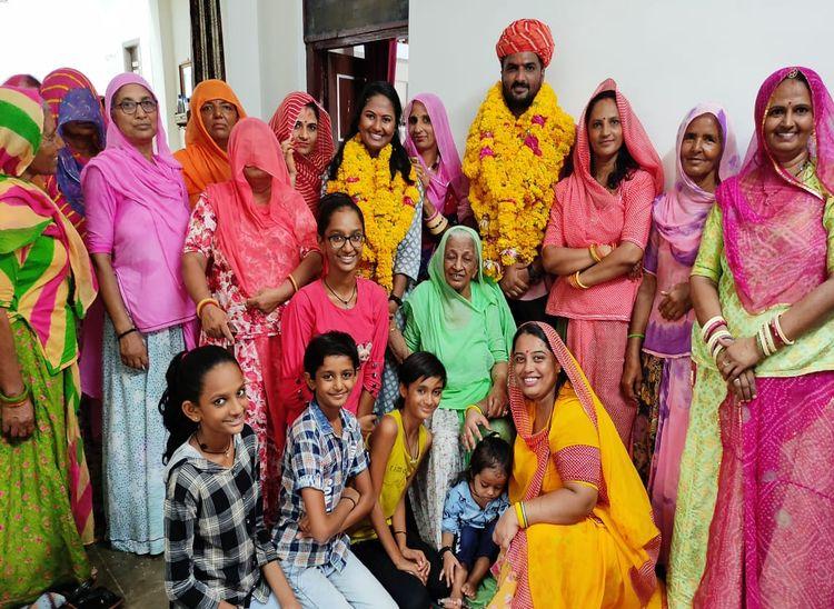 किसी ने सोशल मीडिया से बनाई दूरी तो कोई घर छोड़ राजधानी की तैयारी, तो किसी ने परिवार की जिम्मेदारी निभाते हुए जारी रखी तैयारी, नतीजा आरएएस में चयन|राजस्थान,Rajasthan - Dainik Bhaskar