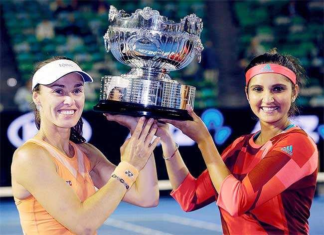 2016 में सानिया ने मार्टिना हिंगिस के साथ विमेंस डबल्स में ऑस्ट्रेलियन ओपन खिताब जीता था।