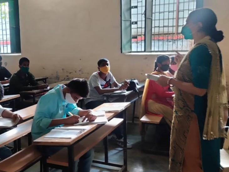 पैरेंट्स पर कोरोना का खौफ हावी, बच्चों को भेजने की हिम्मत नहीं जुटा पा रहे, स्कूलों में उपस्थिति 10% भी नहीं|बिहार,Bihar - Dainik Bhaskar