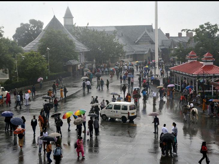 कोरोना की तीसरी लहर की चेतावनी के बावजूद देश के फेमस हिल स्टेशनों शिमला, मसूरी और नैनीताल में पर्यटकों की भारी भीड़ दिख रही है। - Dainik Bhaskar