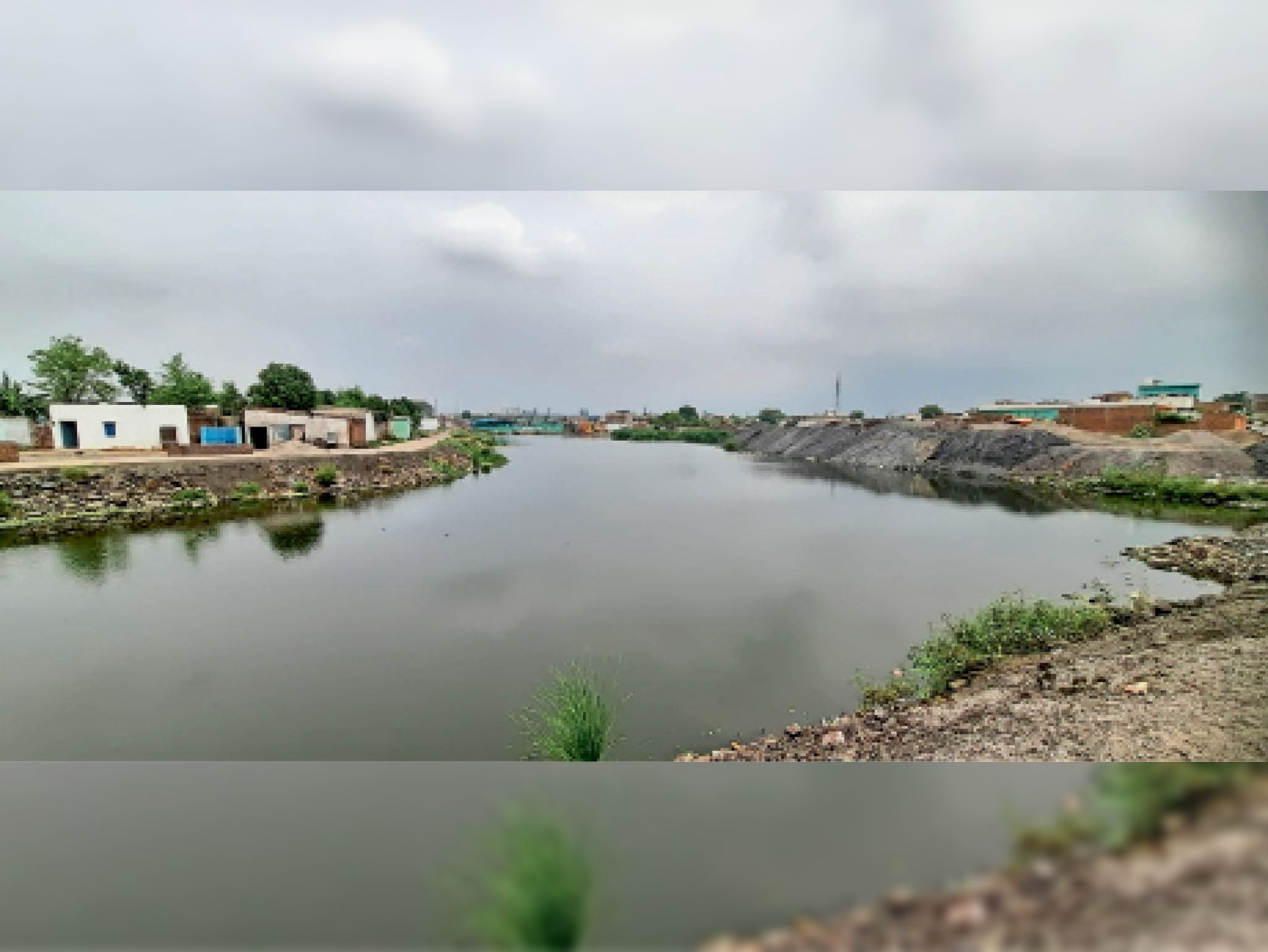 कोकड़ीतराई डेम जहां फ्लाइएश पाटकर अब भी चल रही है कब्जे की तैयारी। - Dainik Bhaskar