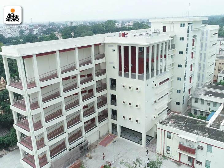 बीएचयू में अस्पताल में बने क्षेत्रीय नेत्र संस्थान में 60 करोड़ रुपए की अत्याधुनिक मशीनें लगाई गई हैं। यहां आंख से जुड़े सभी प्रकार के रोगों का इलाज हो सकेगा।