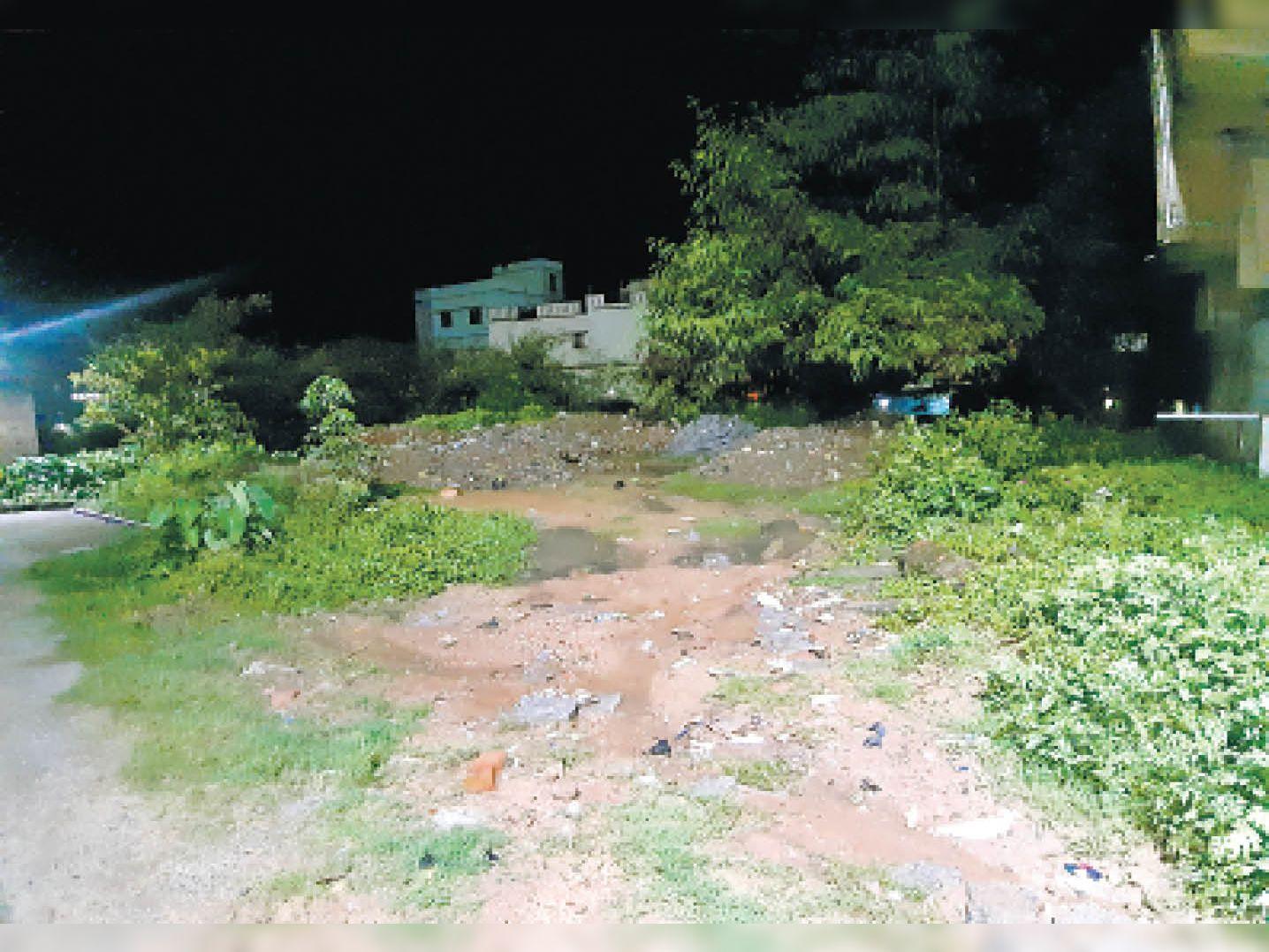 इसी जमीन को लेकर हुआ मर्डर - Dainik Bhaskar