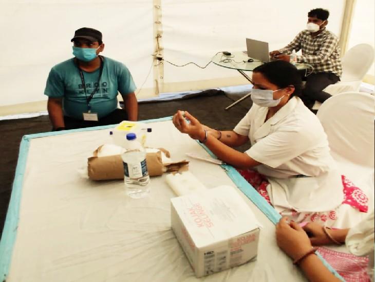 तेज हो गई वैक्सीनेशन की रफ्तार, एक दिन में 40 गाड़ियों ने 7119 को लगाया टीका; पटना में वैक्सीनेशन का आंकड़ा 21 लाख के पार|बिहार,Bihar - Dainik Bhaskar