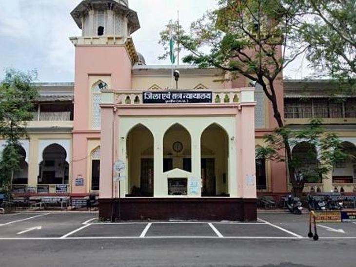 नाबालिग से किया था दुष्कर्म, 10 साल की सजा और 5 हजार अर्थदंड न जमा करने पर 2 साल का अतिरिक्त कारवास|इंदौर,Indore - Dainik Bhaskar
