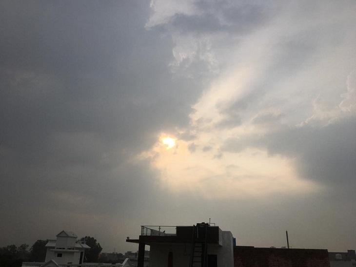 दो दिन झमाझम बारिश के बाद आसमान में छाए बादल, हवाएं दिला रहीं गर्मी से राहत, आज भी बारिश पानीपत,Panipat - Dainik Bhaskar