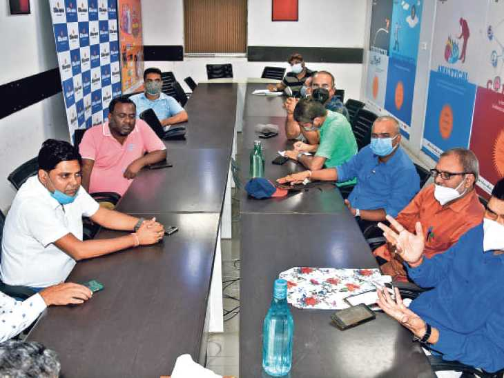बिहार में स्कूल-कॉलेज खुल सकते हैं तो कोचिंग क्यों नहींं, जुलाई से अक्टूबर तक नीट-जेईई, बीपीएससी, बैंकिंग समेत 15 बड़ी परीक्षाएं|पटना,Patna - Dainik Bhaskar