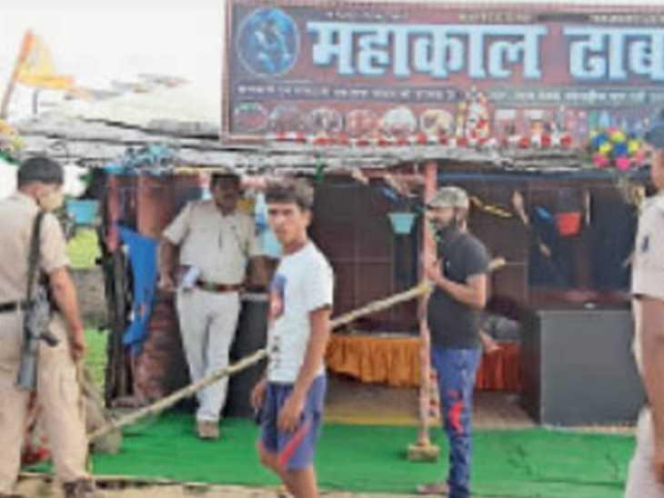 दो भाइयों की हत्या के बाद नाथनगर में घटनास्थल पर पुलिस। - Dainik Bhaskar