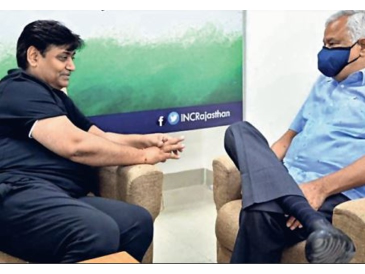 डोटासरा के घर जाकर भाजपा सांसद डॉ. किरोडी लाल मीणा ने मुलाकात की। - Dainik Bhaskar