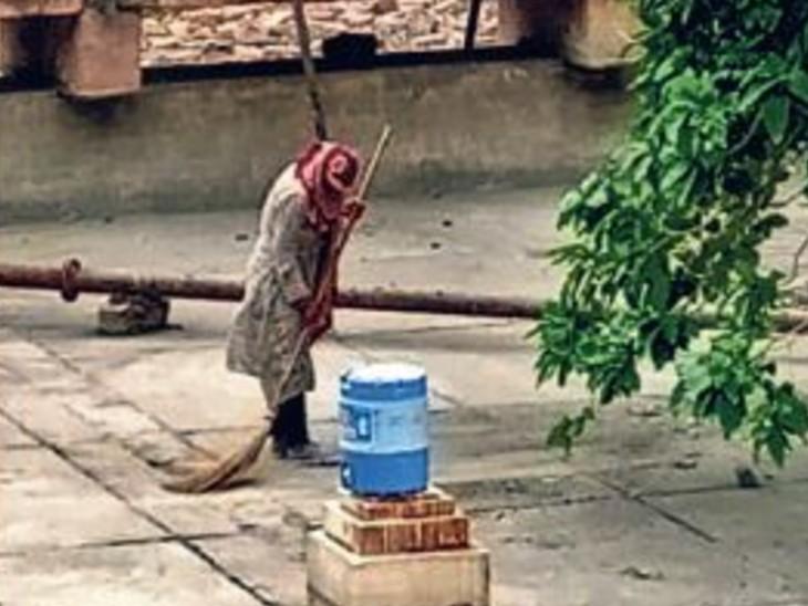 जाेधपुर में सफलता की आशा, सड़कों पर झाड़ू लगाने वाली अब आरएएस - Dainik Bhaskar