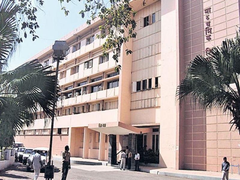 माध्यमिक शिक्षा मंडल ने तय फाॅर्मूले के अनुसार 10वीं बोर्ड के परिणाम घोषित किए। फाइल फोटो - Dainik Bhaskar