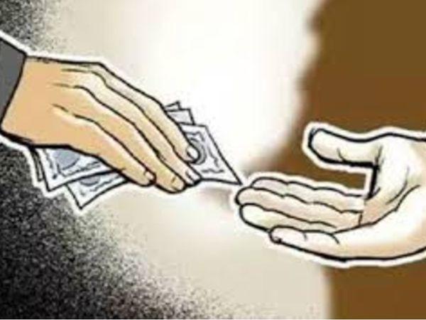 ऑटो रिक्शा मालिक का आरोप- एसआई ने कई बार फोन लगाकर रिश्वत की मांग की थी।  - Dainik Bhaskar