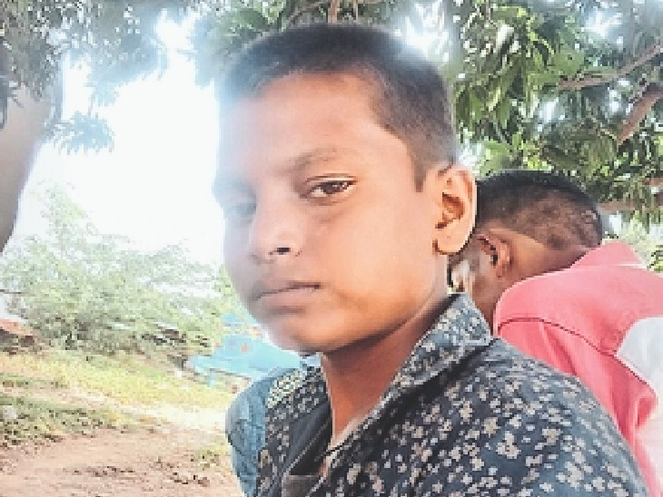 बदमाशों की बाइक में पेट्रोल खत्म हुआ, चकमा देकर भागा बांसवाड़ा,Banswara - Dainik Bhaskar