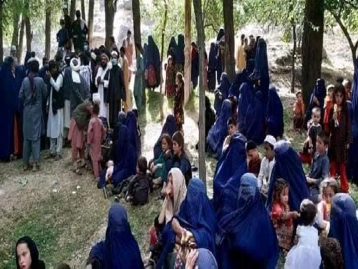 तालिबान के खौफ से अफगानिस्तान के ज्यादातर हिस्सों में लोग अपने घरों को छोड़कर जा रहे हैं। इस समय देश में ऐसे काफिले बड़े पैमाने पर दिख रहे हैं।