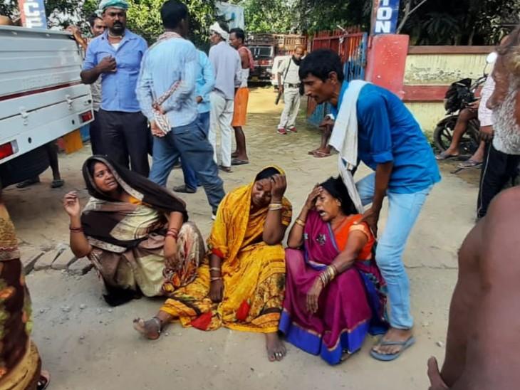 रोहतास में NH-30 पर हादसा; 3 बाइक सवार को तेज रफ्तार वाहन ने रौंदा, मौके पर ही तीनों की दर्दनाक मौत|रोहतास,Rohtas - Dainik Bhaskar