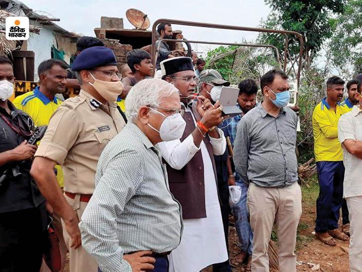 मंत्री विश्वास सारंग ने वीडियो कॉल करके CM शिवराज को हालात की जानकारी दी।