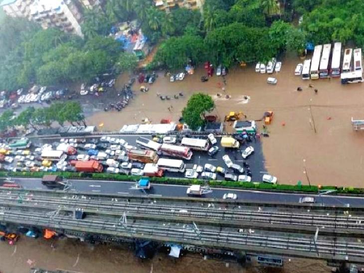 10 तस्वीरों में देखिए पानी-पानी हुए शहर के हाल; प्लेन, ट्रेन और बस सेवा पर असर; पुणे से NDRF की 3 टीमें पहुंची|मुंबई,Mumbai - Dainik Bhaskar