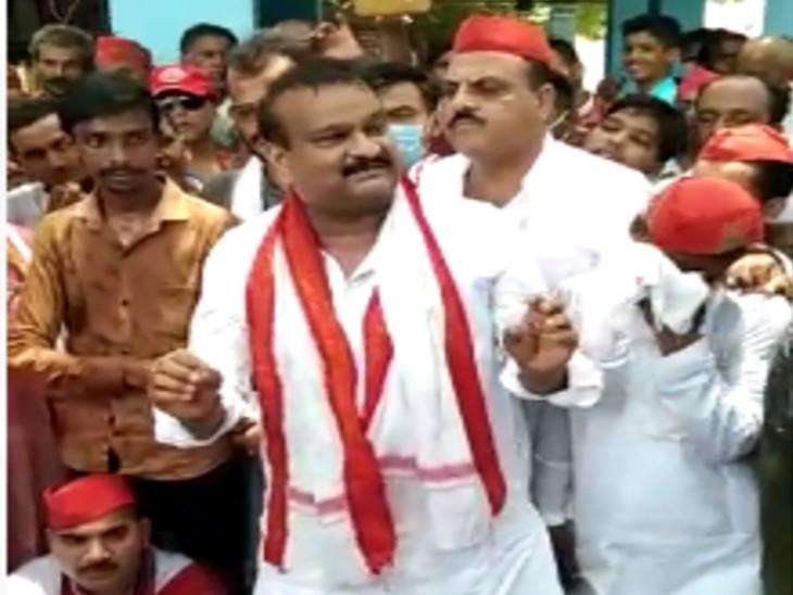 योगी सरकार के खिलाफ प्रदर्शन में दी धमकी; बोले-हमारी तो पार्टी ही गुंडों की रही है, अगली बार सत्ता में आएंगे तो हम बताएंगे गुंडई क्या होती है|बरेली,Bareilly - Dainik Bhaskar