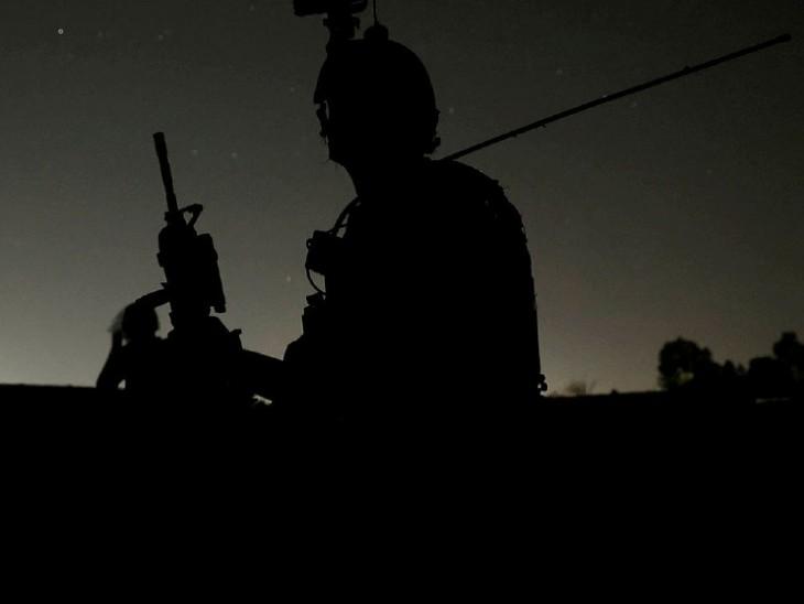 दानिश सिद्दीकी ने कंधार में यह तस्वीर पिछले महीने 13 जुलाई को ली थी। इसे ट्विटर एकाउंट पर पोस्ट कर उन्होंने लिखा था- अफगान स्पेशल फोर्स देश भर में तैनात है। मैं इन जवानों के साथ कुछ मिशनों पर था। (फोटो- रॉयटर्स)