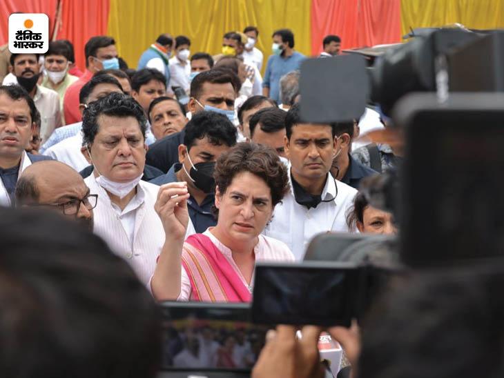 ब्लॉक प्रमुख पद की उम्मीदवार रहीं सपा महिला नेता के साथ हुई अभद्रता पर प्रियंका ने दो टूक कहा कि महिलाओं का अपमान बर्दाश्त नहीं किया जाएगा।