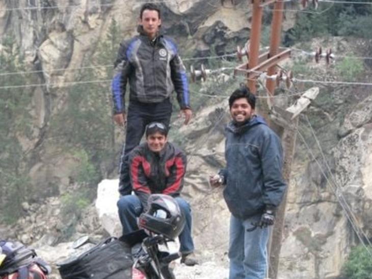 दानिश (दाएं) की तरक्की बहुत तेज हुई थी। उन्होंने रॉयटर्स में बतौर ट्रेनी ज्वॉइन किया था। लेकिन बाद में वे मुंबई के चीफ फोटोग्राफर बनकर गए। इस वक्त वे इंडिया में रॉयटर्स के चीफ फोटोग्राफर थे।
