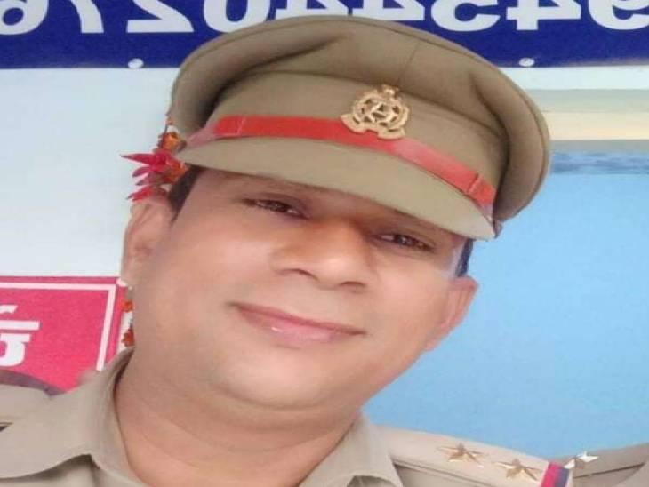 आरएसएस कार्यकर्ता से अभद्रता करने के चलते निलंबित दरोगा पर दबंगो ने किया हमला, लाठी-डंडों से बीच बाजार पीटकर किया घायल|मेरठ,Meerut - Dainik Bhaskar