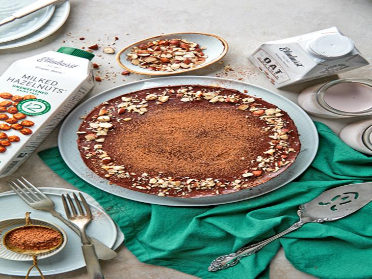 ब्राउनी मूस केक