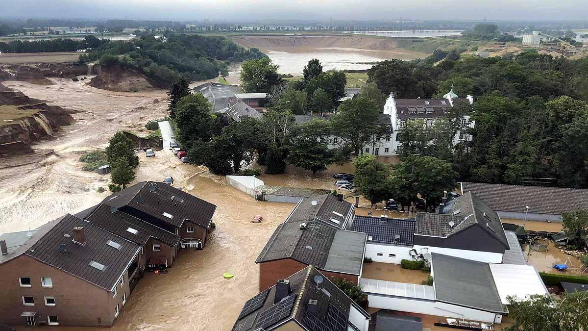 बाढ़ का सबसे बुरा प्रभाव पश्चिमी जर्मनी के राइनलैंड-पैलेटिनेट राज्य में पड़ा है। यहां 110 लोगों की मौत अब तक हो चुकी है।