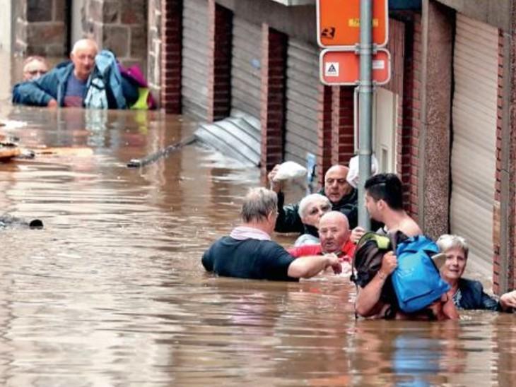 जर्मनी में 1000 साल की भीषण बाढ़; ग्रीन हाउस गैसों के कारण यूरोप का यह हाल, बारिश और भूस्खलन से सबसे ज्यादा नुकसान जर्मनी में|विदेश,International - Dainik Bhaskar