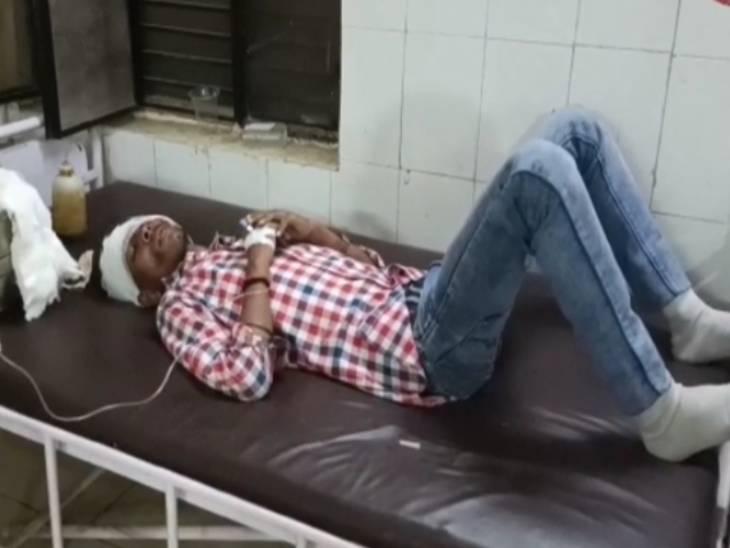 हाथरस हादसे में 4 लोगों की मौत व 6 लोग घायल हो गए। इनका इलाज जिला अस्पताल में चल रहा है।