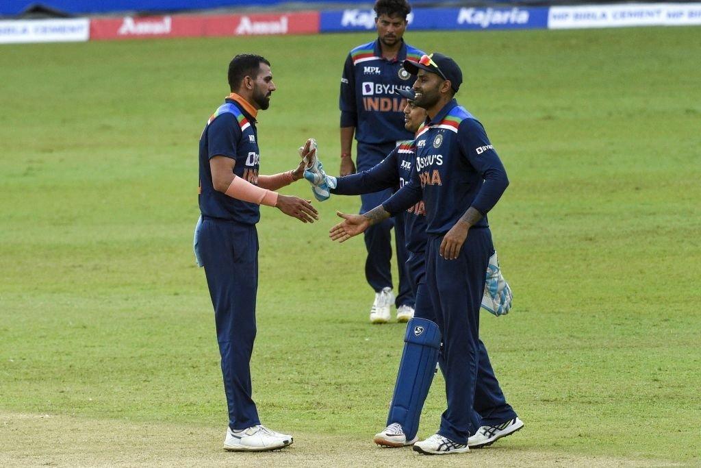 दीपक चाहर ने असलंका और हसारंगा को अपने लगातार 2 ओवर में आउट किया। उन्होंने असलंका को 38वें और हसारंगा को 40वें ओवर में आउट किया।