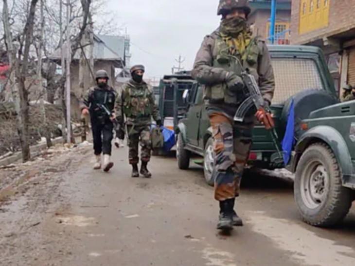 जम्मू-कश्मीर में बीते कुछ दिनों से आतंकी गतिविधियां फिर बढ़ी हैं। यहां 17 दिन 20 दहशतगर्द मारे जा चुके हैं। - Dainik Bhaskar