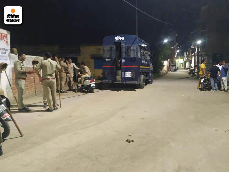 15 जुलाई को आरएसएस का पदाधिकारी उमंग काकरान से दरोगा अरुण कुमार राणा का विवाद हुआ था।