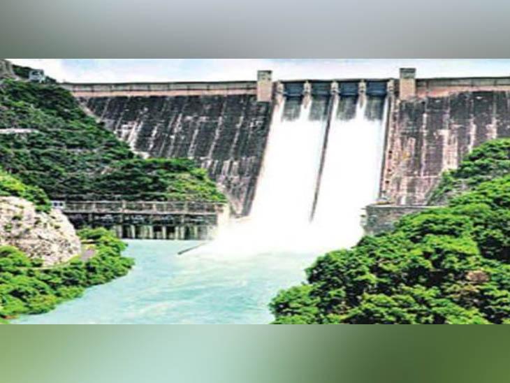 भाखड़ा डैम पर 5 फीट की बढ़ोतरी, रणजीत सागर में 3 तो पौंग झील में 9 फीट ऊपर को आया पानी|चंडीगढ़,Chandigarh - Dainik Bhaskar