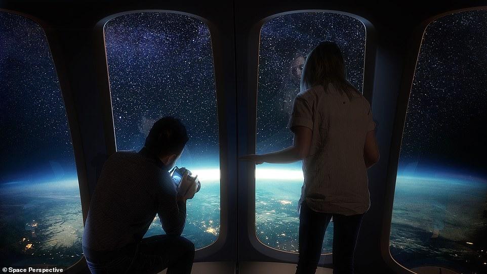 स्पेस कैप्सूल में नॉन ग्लेयर विंडो होने के कारण बाहर के नजारे को कैमरे में कैद कर सकेंगे। फोटो साभार: स्पेस पर्सपेक्टिव